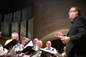 Steven van Kempen voor het koor